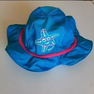 SPEEDO block the burn 50 sun hat with chin strap